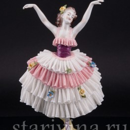 Балерина в бело-розовом платье, кружевная, Volkstedt, Германия, вт. пол. 20 в
